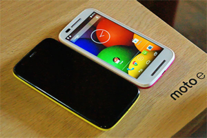 Moto-E smart phone in low budget